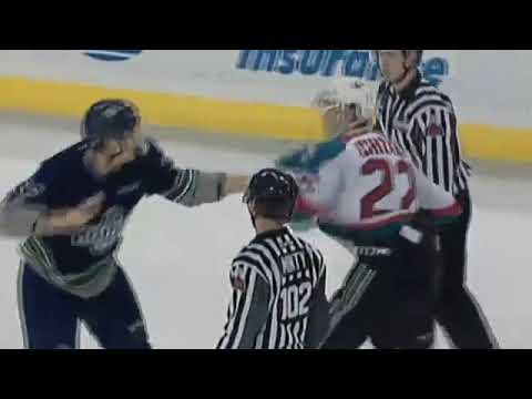 Braydyn Chizen vs. Mike MacLean