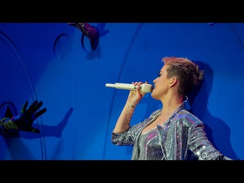 Katy Perry - Chained To The Rhythm (Radio 1's Big Weekend 2017)