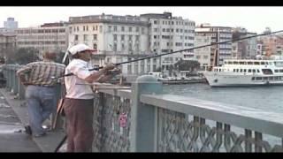 preview picture of video 'Türkei Istanbul City -Gegend um die Galata Brücke'