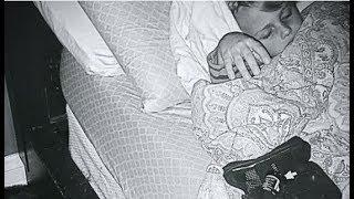 Уставшую женщину разбудило рычание пса. Ворвавшись в комнату сына, она застала такую картину