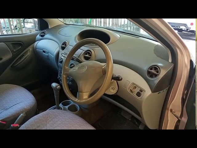 Toyota Vitz F 1.0 2000 for Sale in Lahore