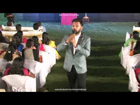 Emcee Chaitanya Rathi hosting the Sun Jewels Annual Day