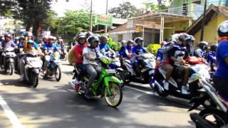 Konvoi AREMA Arak Piala Bayangkara