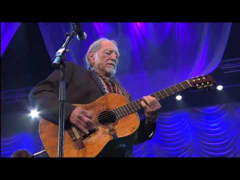 "Willie Nelson performs ""Nightlife"" at Berklee College of Music 2013 Commencement"