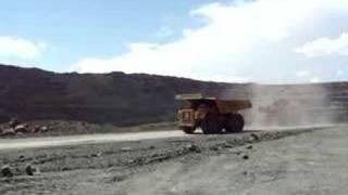 preview picture of video '200-ton Caterpillar 789Cs on Orapa Diamond Mine'