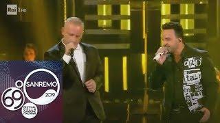 """Sanremo 2019 - Eros Ramazzotti e Luis Fonsi cantano """"Per le strade una canzone"""""""