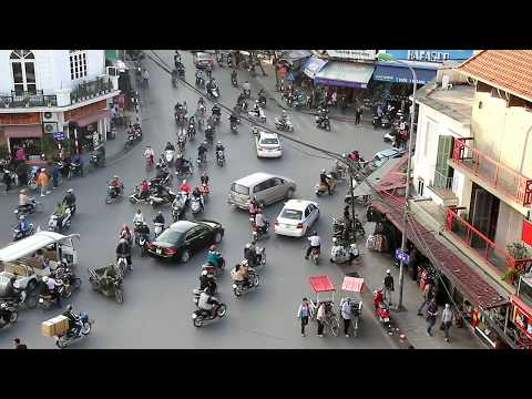 Дорожное движение во Вьетнаме. вот где нужен SKYWAY? vietnam road trip