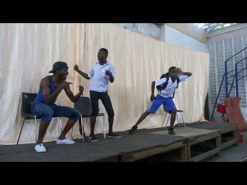 Shangilia Theatre Africa wakiigiza tamthilia ya Kilio Chetu