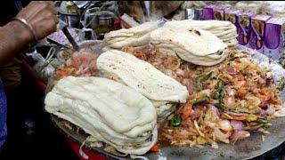 इतना स्वादिष्ट बनाते है कि दुकान खुलने से पहले ही इतनी जादा भीड़ लग जाती है - mayapuri cholay kulche - Download this Video in MP3, M4A, WEBM, MP4, 3GP