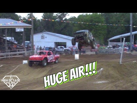 JEEP CHEROKEE HUGE AIR! OFFROAD OUTLAWS RACE