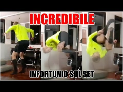 Incredibile infortunio sul set per l'arbitro del VAR
