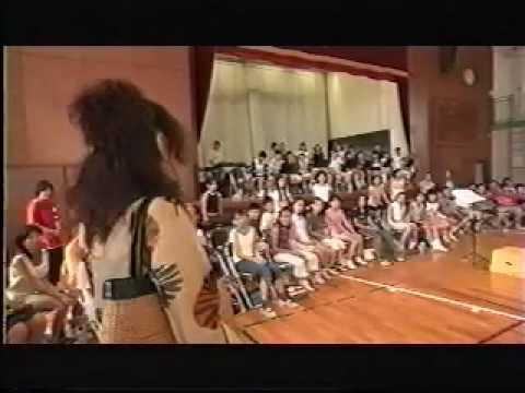 ユーミン逗子マリーナライブと小坪小学校児童