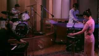 Little Dragon   Little Man (Yours Truly Session)
