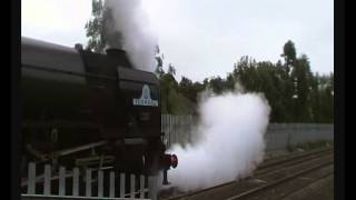 preview picture of video 'Steam 60163. Tornado+wind+rain hits Maidenhead. 30/9/12. Cathedrals Express to Kingswear'