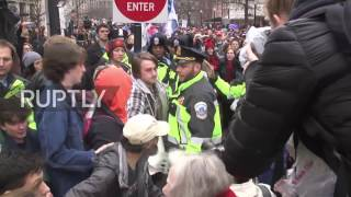 USA: Protests turn violent as Trump sworn in as US President