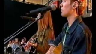 Gambar cover Avril Lavigne - Mobile live on Channel V
