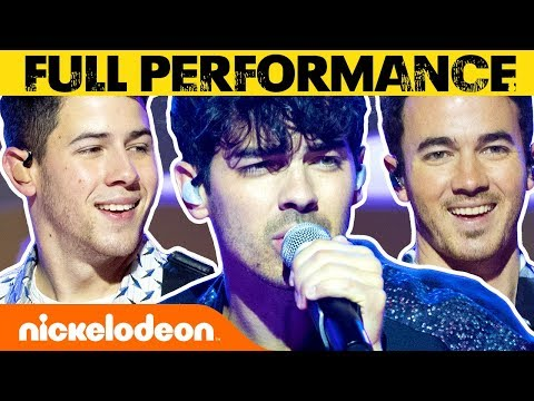Jonas Brothers Perform 'Sucker' on the All That Stage | #MusicMonday