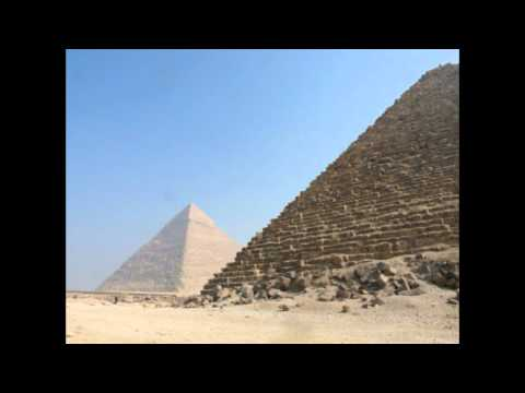 Egypt The Pyramids on the Giza Plateau Egypte De Piramides op het Plateau van Gizeh