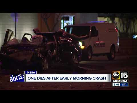 One dies after early morning crash in Mesa