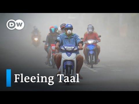 Philippines Taal volcano: Thousands flee impending eruption | DW News