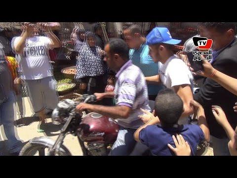 هروب رمضان صبحي على «موتوسيكل» بعد خروجه من آخر «امتحانات الثانوية»