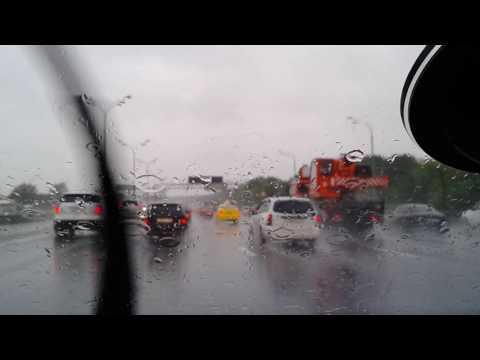 Как ехать в дождь на автомобиле