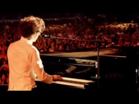 , title : 'any other world-Mika (Live) +lyrics'