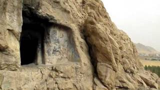 preview picture of video 'Fire damage at Achaemenid tomb of Tagheh Farhad in Ravansar .MOV'