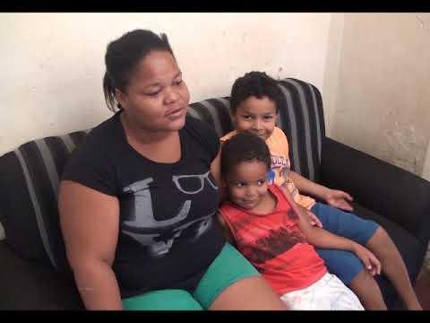 Crianças passam fome e mãe pede ajuda para conseguir emprego