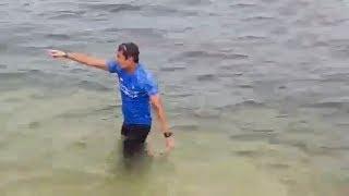 Sandiaga Nyebur di Laut Menuju Pulau Bidadari