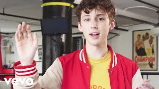 Troye Sivan - Wrestling With Fans (Vevo LIFT)