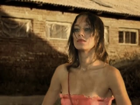 Girl and a horse. Don´t get involved. Extra short film. Funny video.