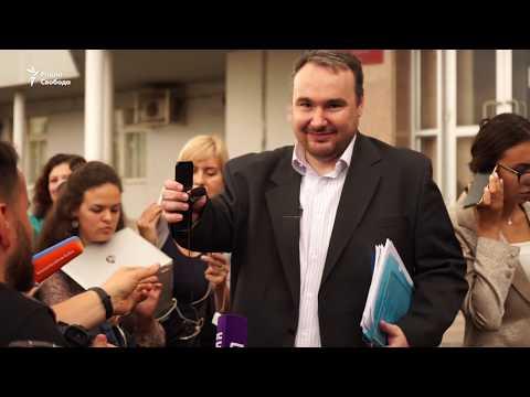 Суд не стал лишать родительских прав супругов Хомских за акцию 3 августа