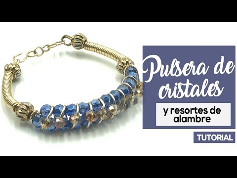 84f040af9ade Cómo hacer pulseras de gemas con doble contorno de alambre y dije ...
