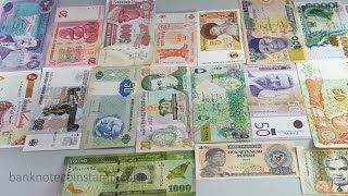 World Banknotes - 22 Currency Shipped to Bangalore
