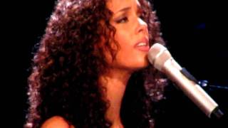 "Alicia Keys - ""Pray For Forgiveness"" Miami Concert"