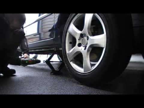 How To Change A Wheel Faster And (Almost) Painlessly