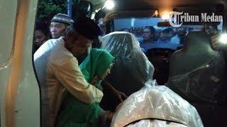 Jenazah Suniati, Korban Pembunuhan Satu Keluarga di Deli Serdang Akhirnya Tiba di Rumah Duka