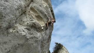 preview picture of video 'Grégory Lefaux dans Problem  (8A+) secteur Le Thuit à la Roque (27)'