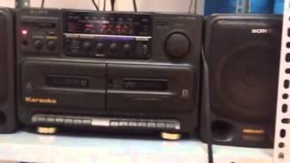 Cassette sony đồ cổ nghe nhạc vàng phê lòi rún hehe
