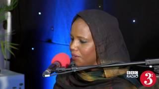 Aziza Brahim – Buscando la Paz