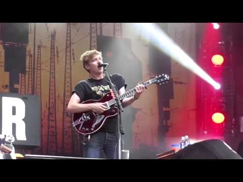 George Ezra - Stand By Your Gun // Live at Squamish Valley Music Festival 2015