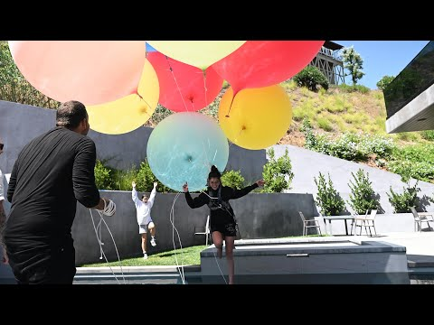 David Blaine ties Dixie to Giant Balloons | The D'Amelios