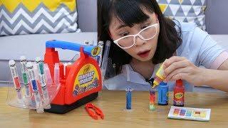 Đồ Chơi Nhà Máy Tạo Bút Lông Màu Crayola Marker Maker Wacky Tips
