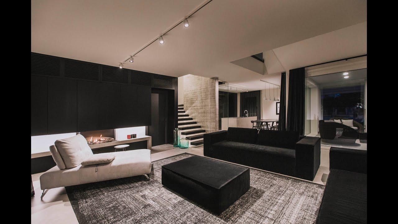 Anteprima Video Villa Black & White