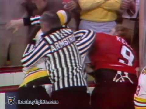 Wayne Cashman vs. Bob Kelly
