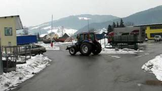 Duler gozdarski traktor New Holland