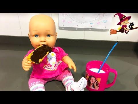 La Bebé Como Galletas con Crema de Chocolate y Leche