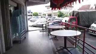 preview picture of video 'Yong Tau Fu Under Big Tree Walkabout, Ipoh'