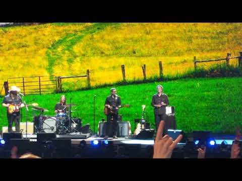 Chris Stapleton Live at FarmAid 2018 - Tennessee Whiskey